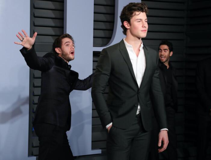Zedd photobombar Shawn Mendes