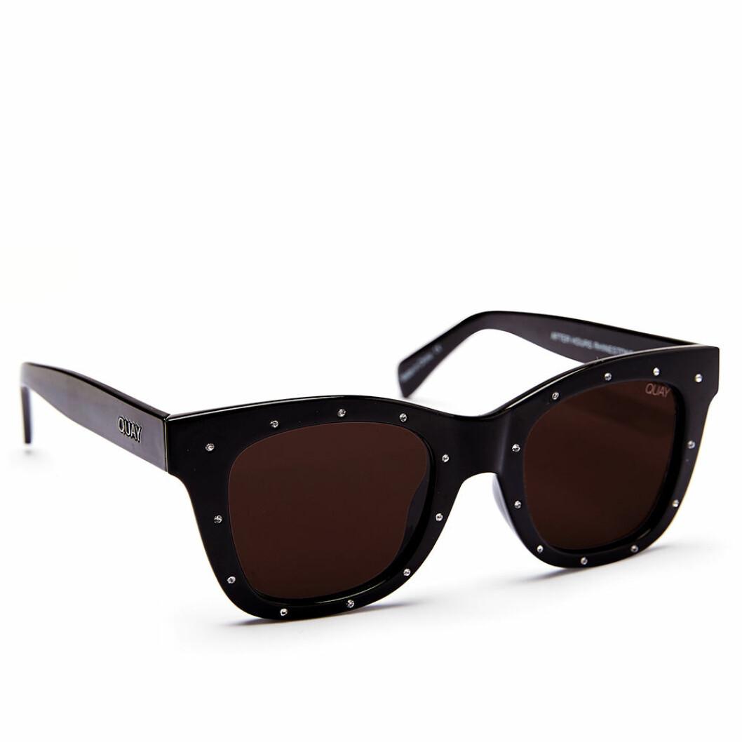 Svarta solglasögon från Quay