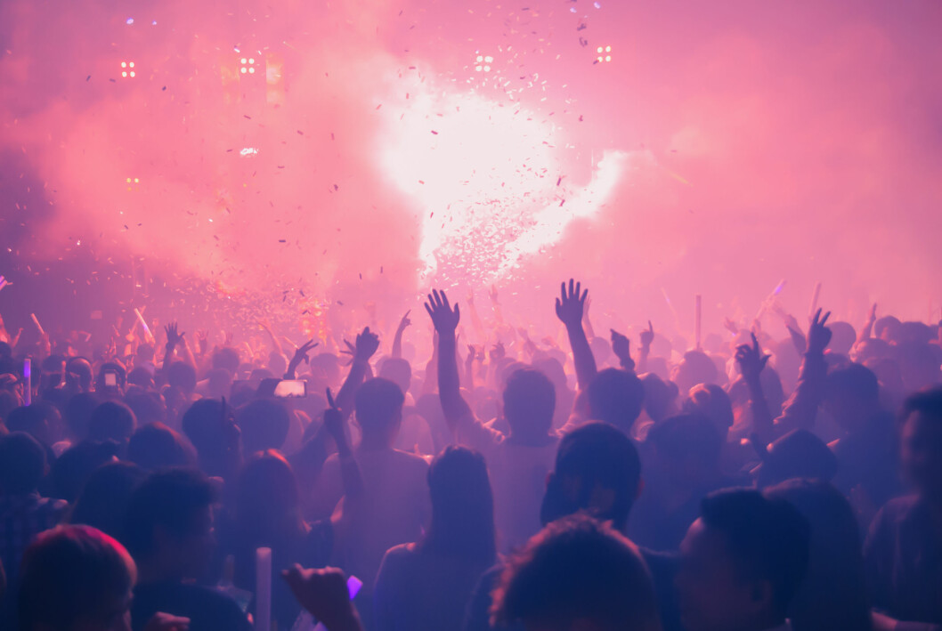 Nattklubb med konfetti