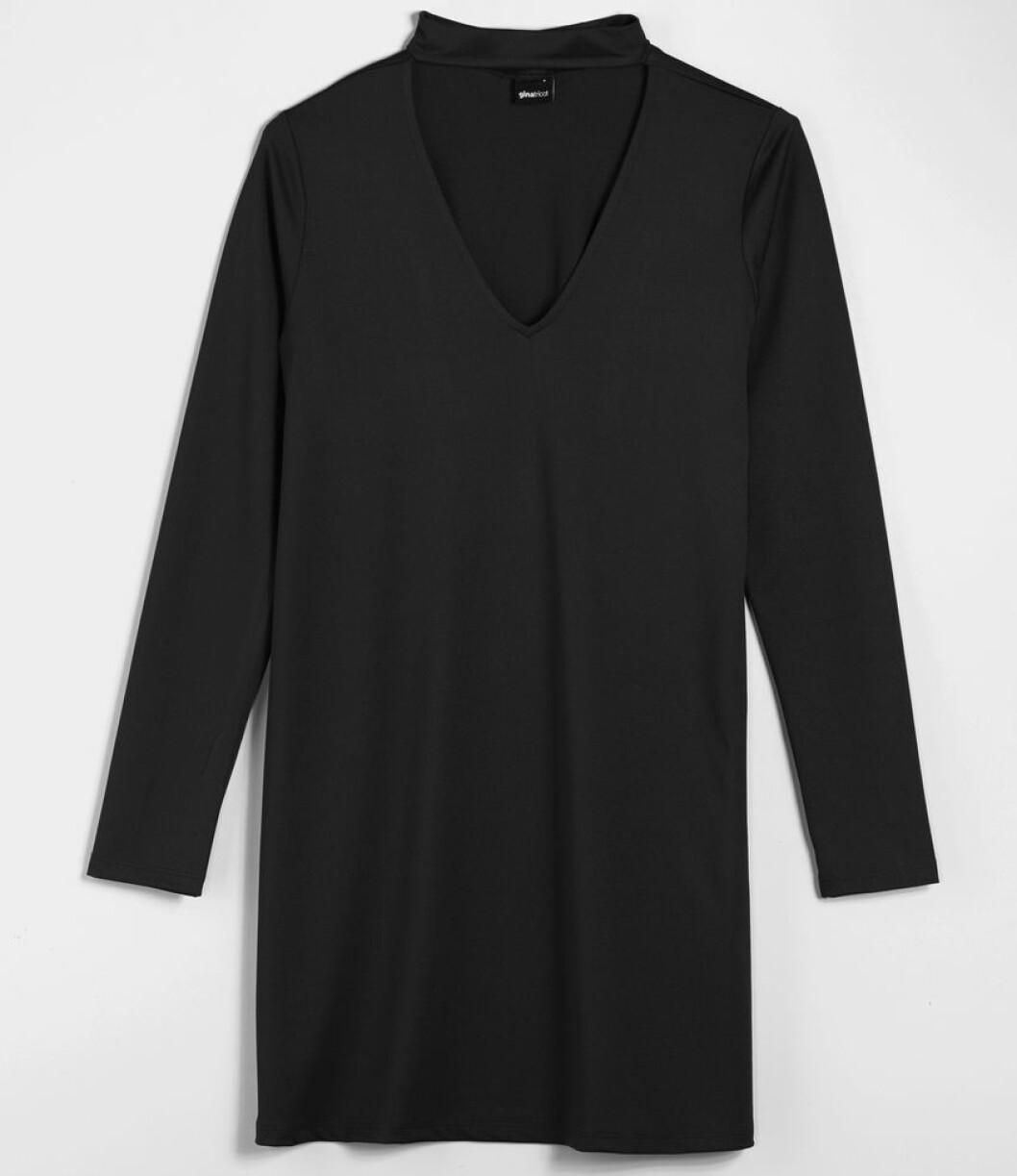 svart klänning choker