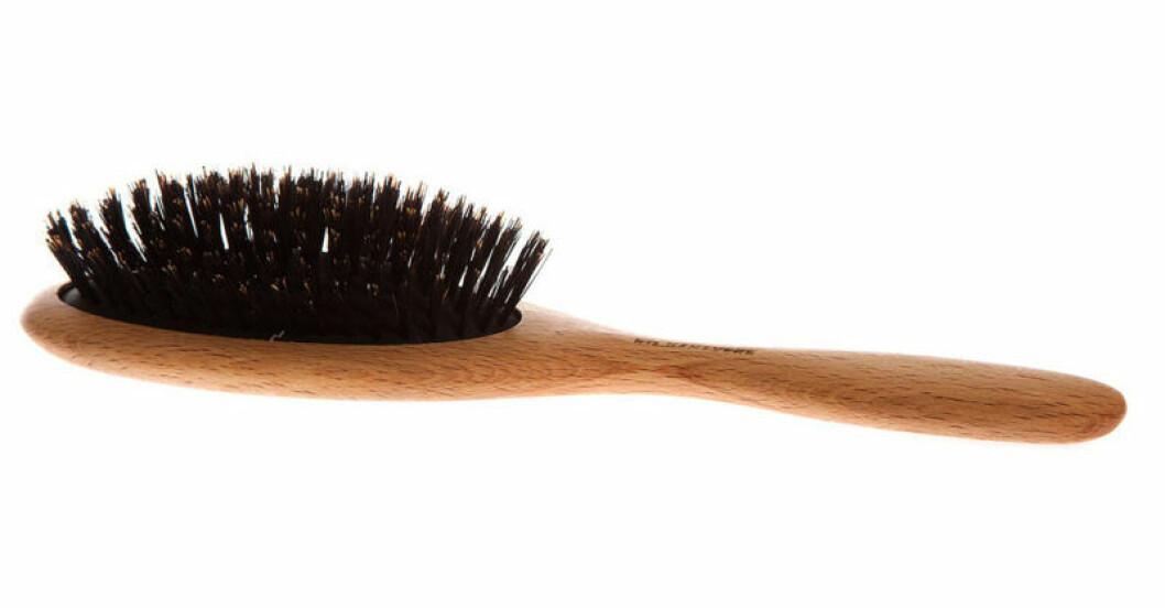 Skonsam hårborste med svinborst från Iris hantverk
