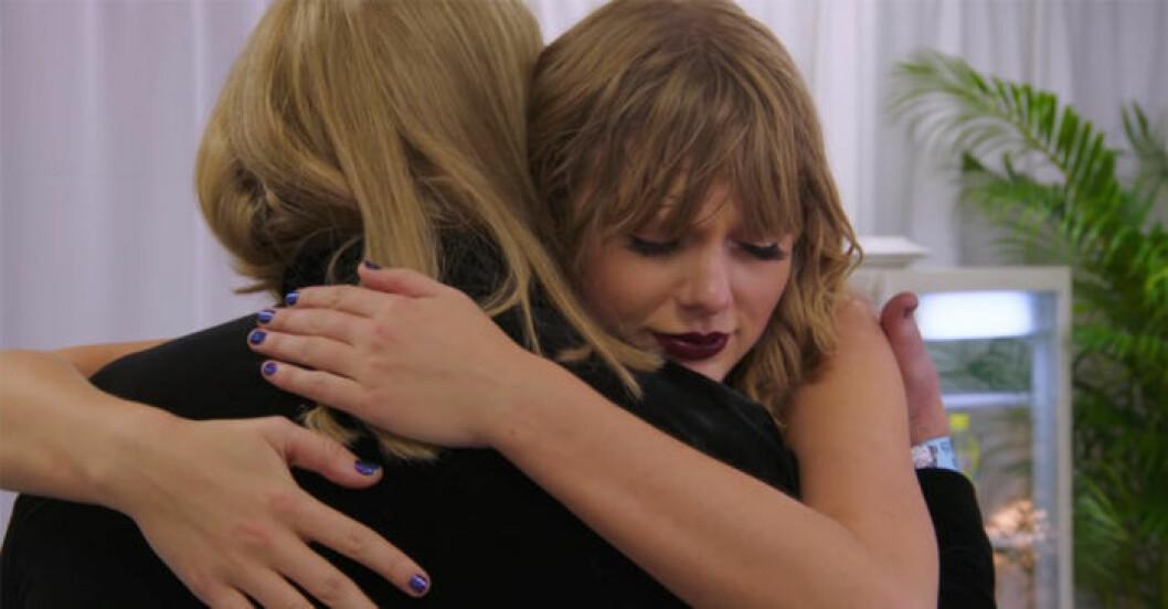 Taylor Swift med sin mamma