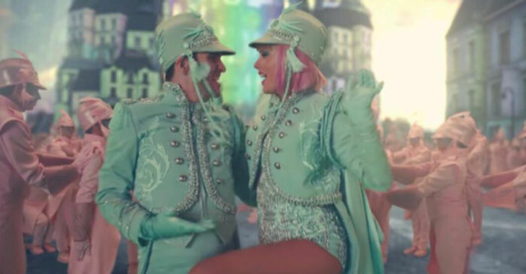 Taylor Swift musikvideo till låten Me!