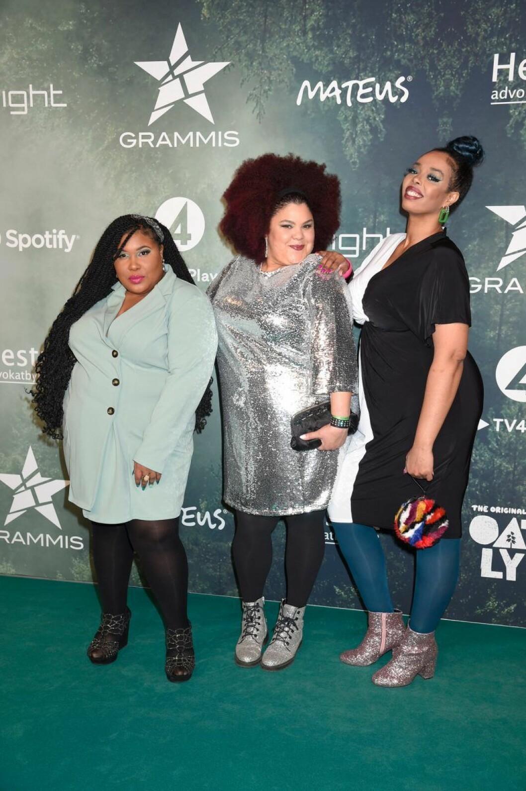 The Mamas - Loulou Lamotte, Ashley Haynes och Dinah Yonas Manna på röda mattan på Grammisgalan 2020