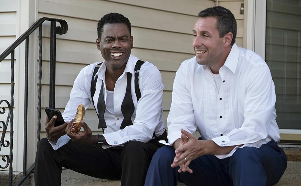 Två pappor ser helt olika på sina barns bröllop, något som slutar i kaos.