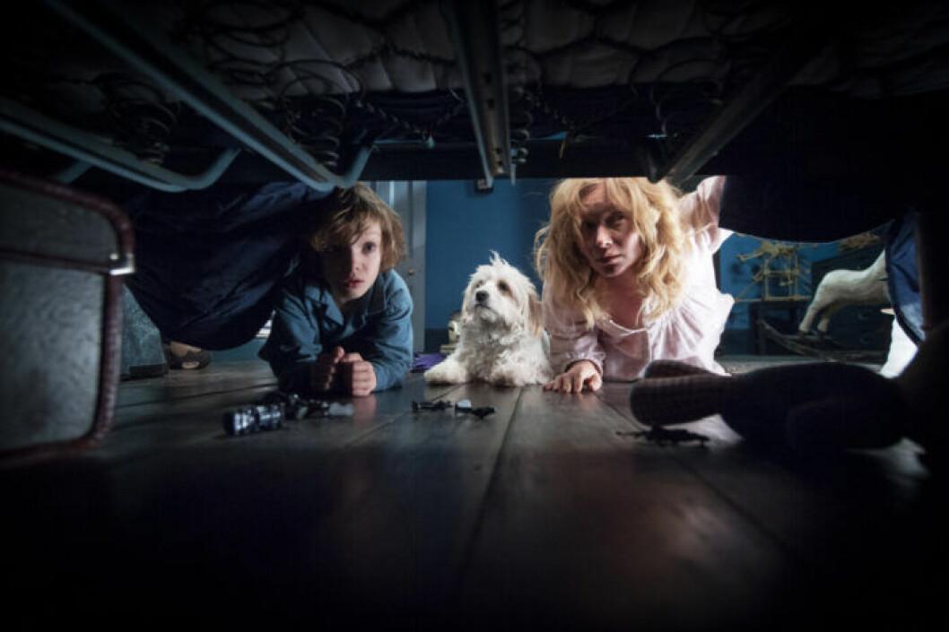 En bild från skräckfilmen The Babadook, som finns på Netflix.
