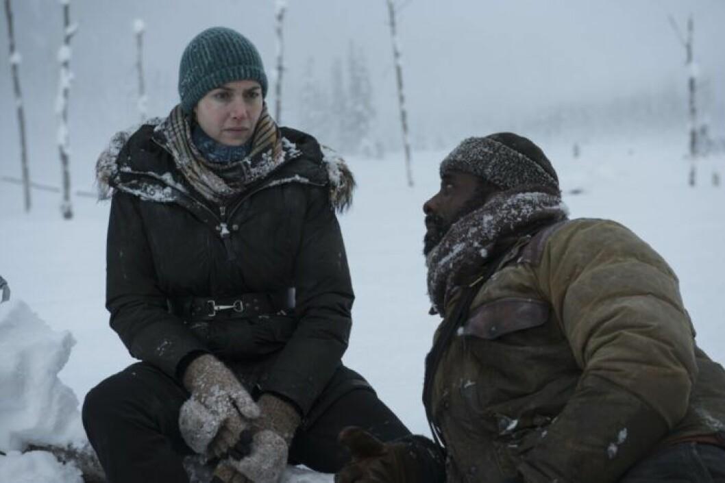 En bild ur filmen The Mountain Between Us, som går att se på Viaplay.
