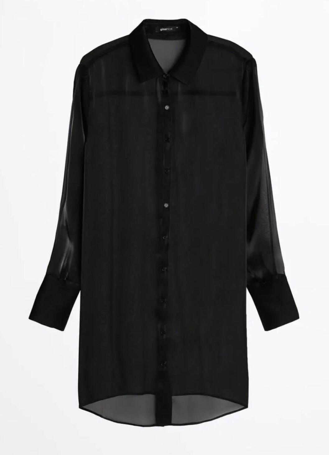 Svart skjorta i transparent tyg från Gina tricot