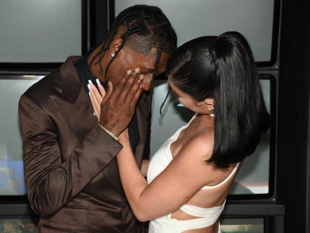 Kylie och Travis på premiären