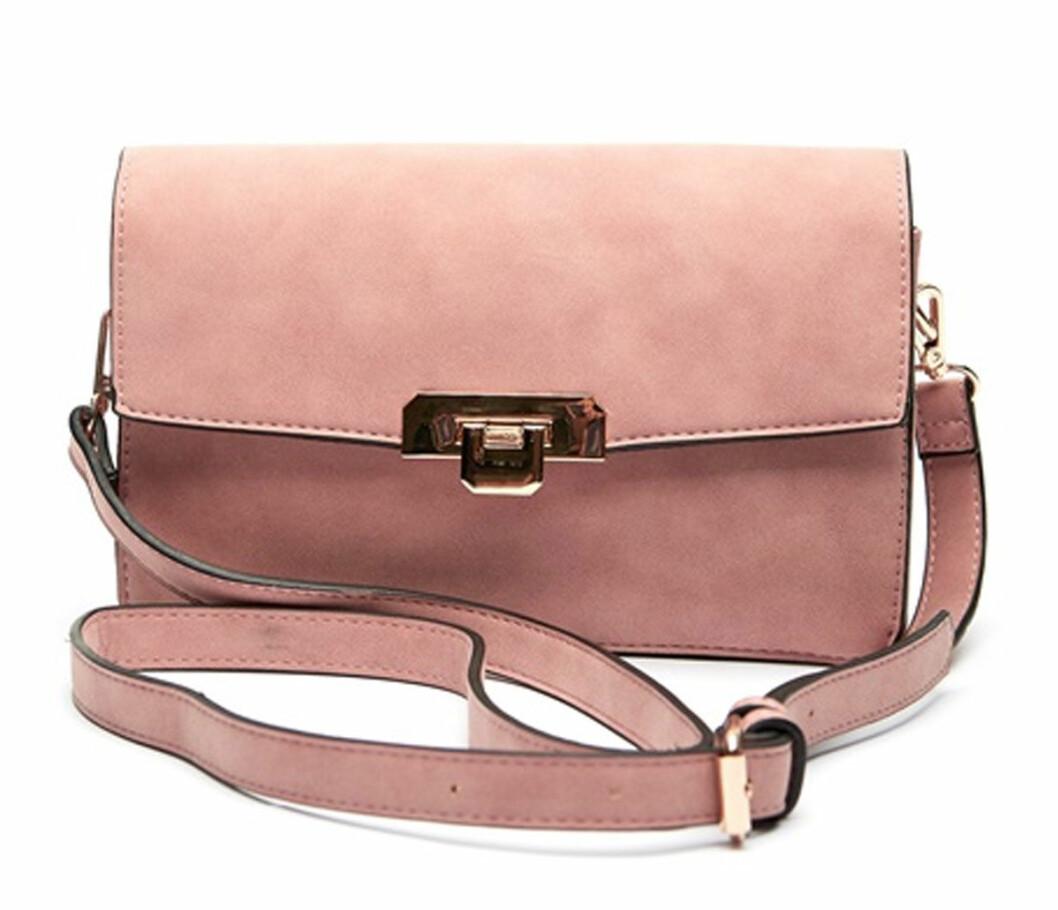 väska i rosa mocka