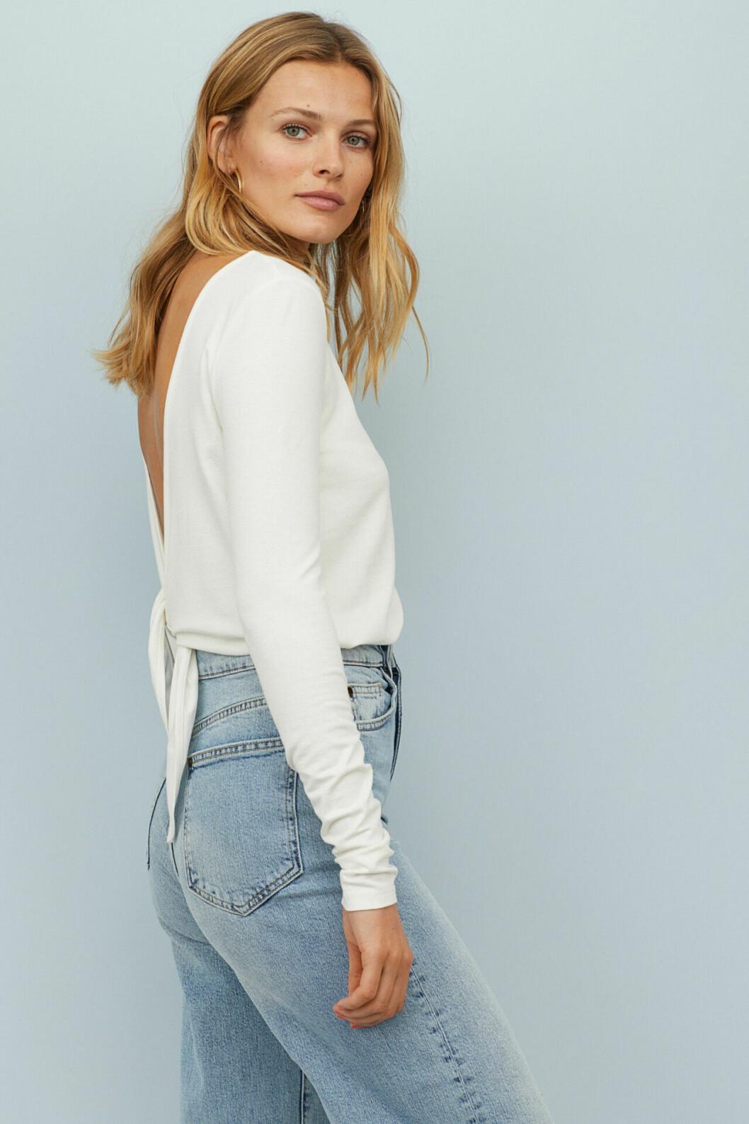 Vit body  med urringad rygg från H&M