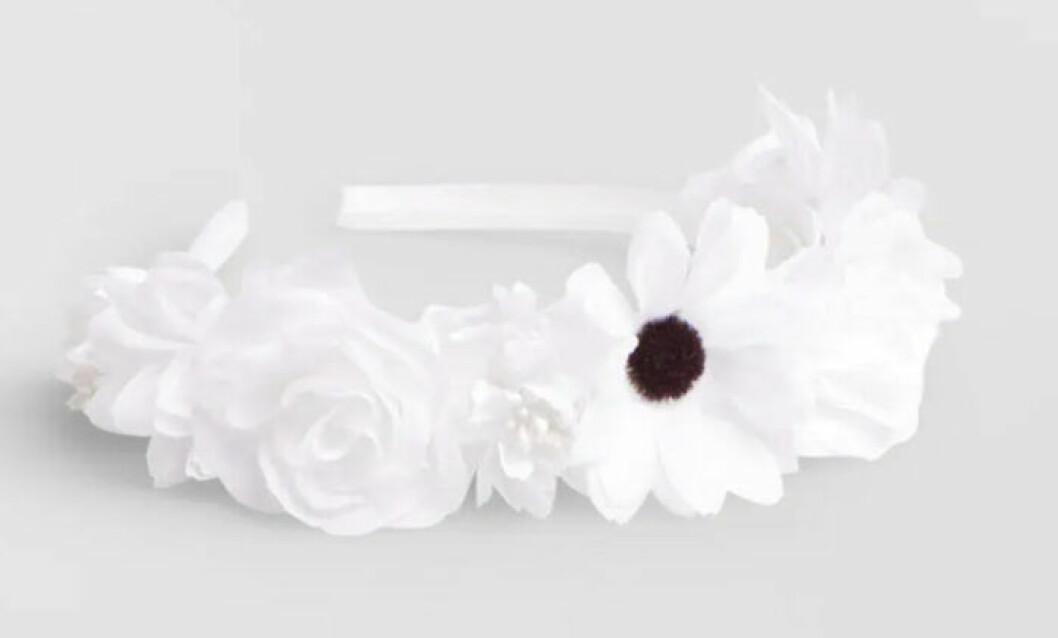 Diadem med stora vita blommor