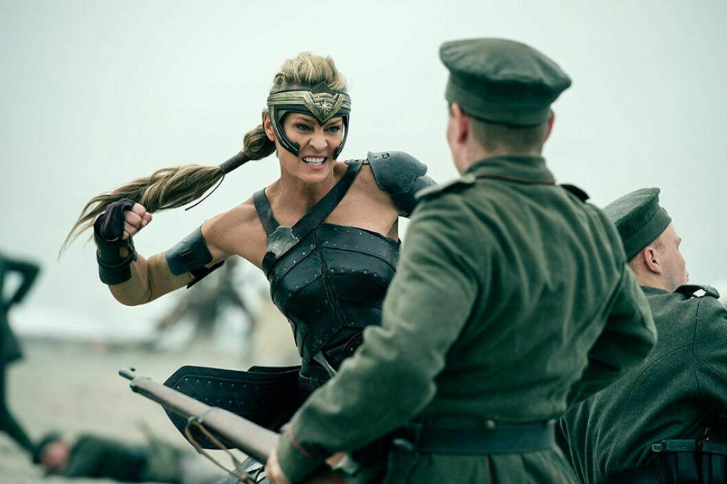 Skådespelerskan Robin Wright är en av flera starka kvinnliga karaktärer i Wonder Woman.