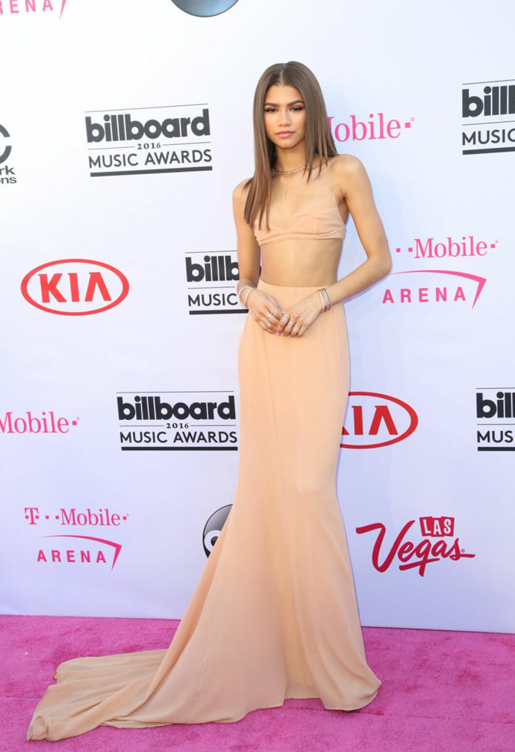 En bild på skådespelerskan Zendaya på Billboard Awards 2016.